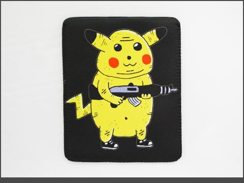 b- iPad  - Neoprene Sleeve - pikachu-black-a